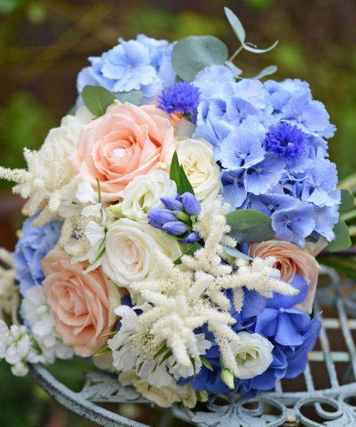 Blue-&-peach-hydrangea-rose-astilbe-Larkspur-Floral-Design-Florist-Cambridge-UK