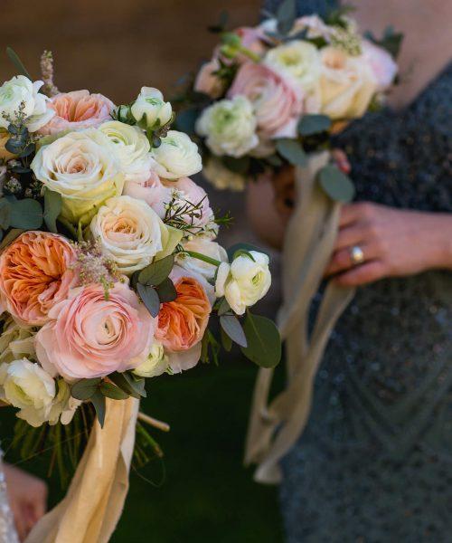 CLASSIC-BRIDAL-garden-roses-ranunculus