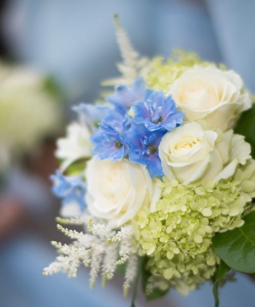 Larkspur-Floral-Design-Cambridge-lime-green-powder-blue-bouquets-Christs-College-Wedding-cambridge