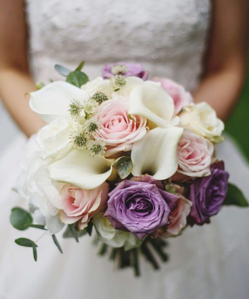MODERN-bridal-bouquet-calla-lily-roses