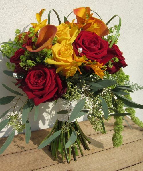 Modern-Bridal-Bouquet-Autumnal- Larkspur-Floral-Design