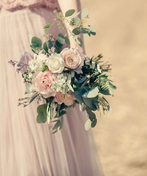 bouquet,-natural,-uncontrived-with-garden-roses-Larkspur-Floral-Design-Florist-Cambridge-UK
