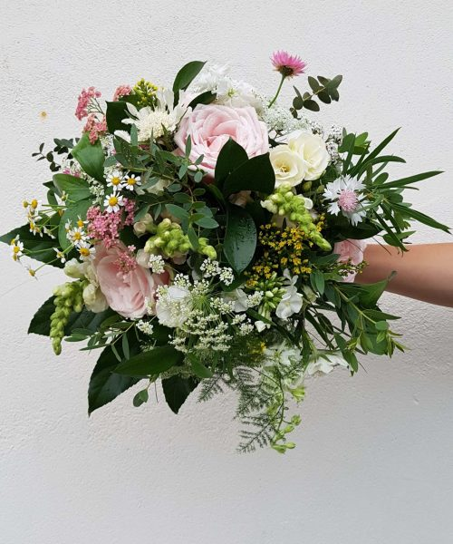 rustic bridal bouquet pinks