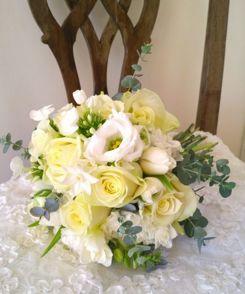 spring bouquet white cream