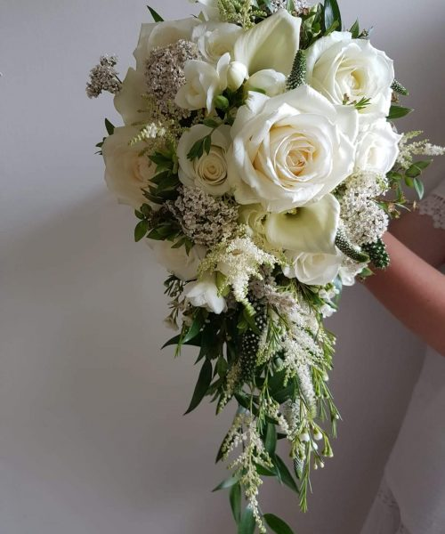 teardrop white bridal bouquet